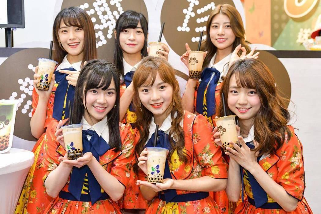 AKB48 Team TP來到現場為謝謝珍珠加油應援。 謝謝珍珠/提供