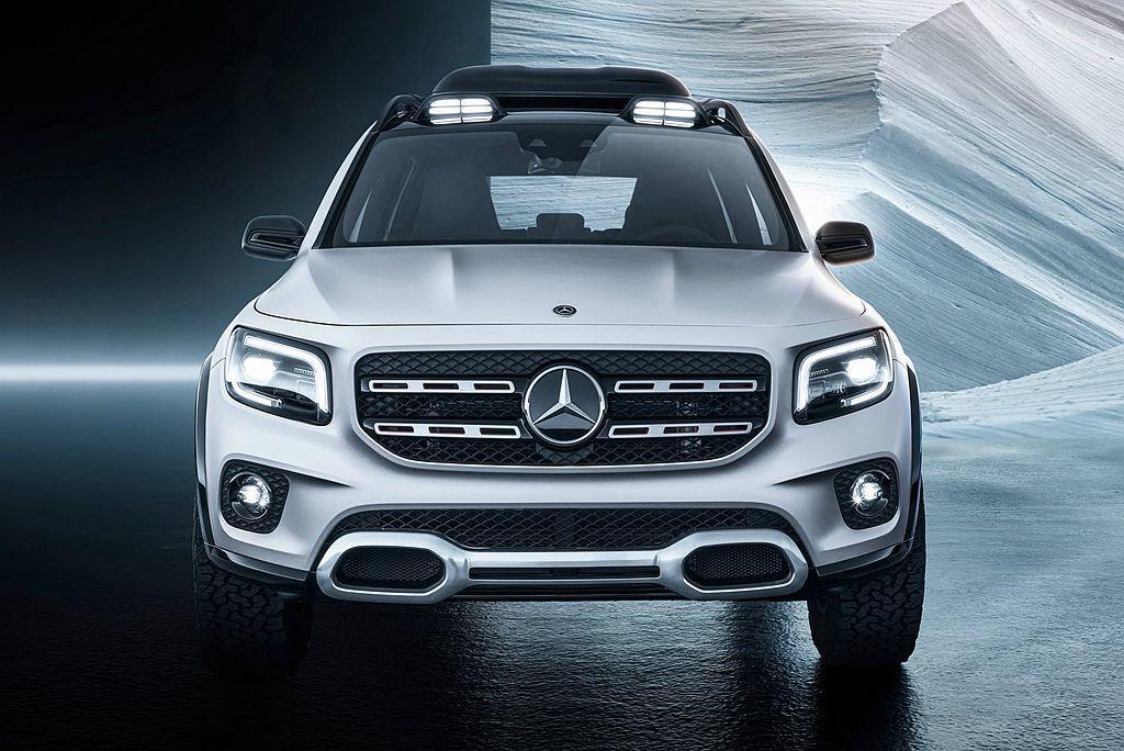 賓士GLB Concept概念車延續品牌休旅的造型元素,但較方正的車體輪廓及頭燈...