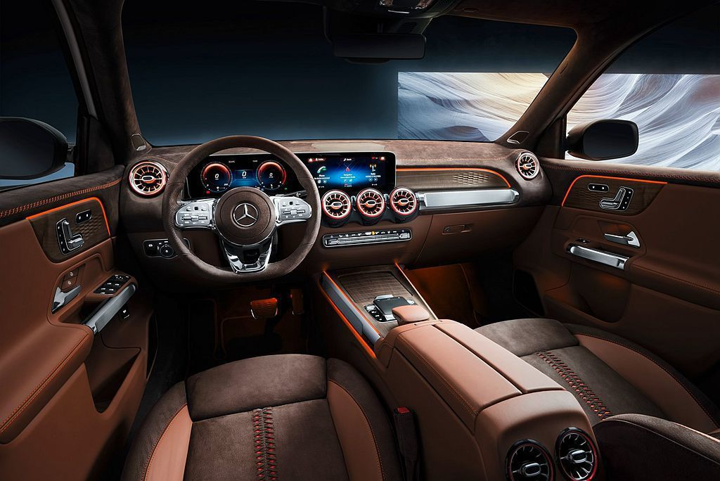 賓士GLB Concept概念車內裝已是量產規格,包括雙10.25吋螢幕集合而成...