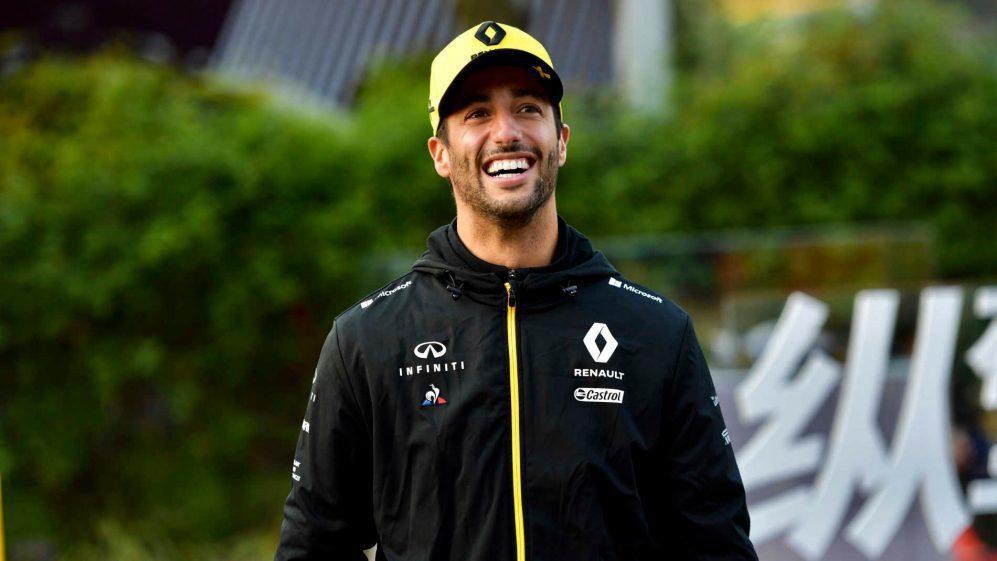 Daniel Ricciardo終於能一展笑顏,成功完賽。 摘自F1