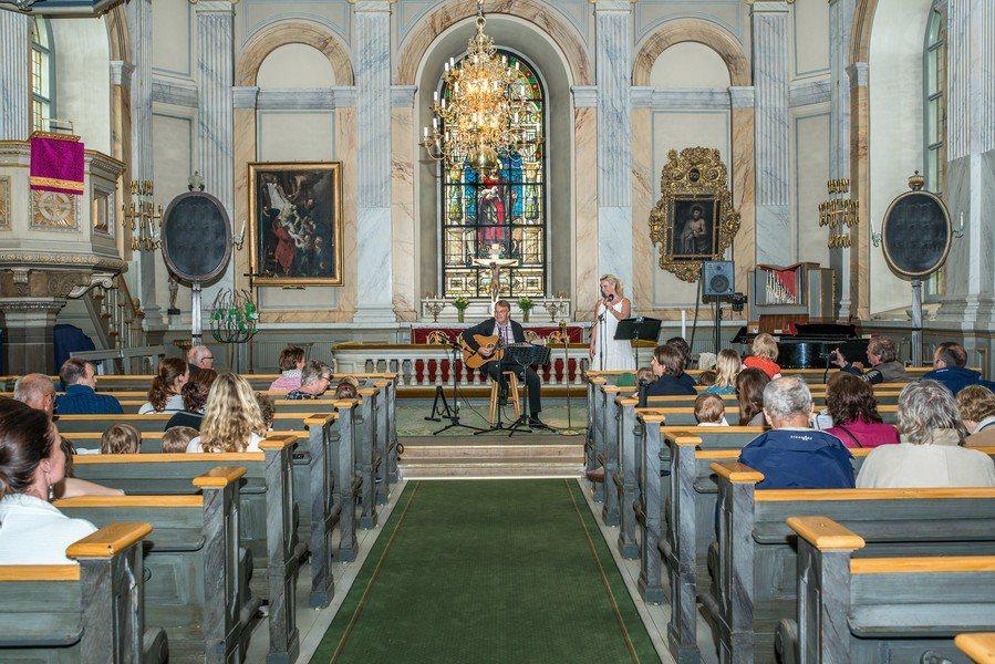教會不僅是民眾信仰中心,也是凝聚向心力的地方。(Photo by Bengt N...