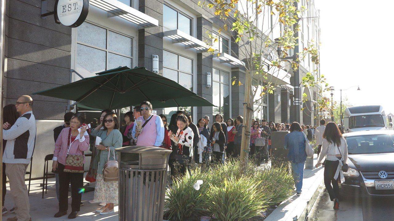 高雄市長韓國瑜美西時間14日上午9時在洛杉磯有一場千人演講會,主題為「點亮高雄、...