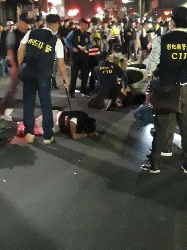 昨晚10點多在大埔路仍發生數名壯漢推擠衝突,幸警力立即壓制,衝突未擴大。圖/翻攝