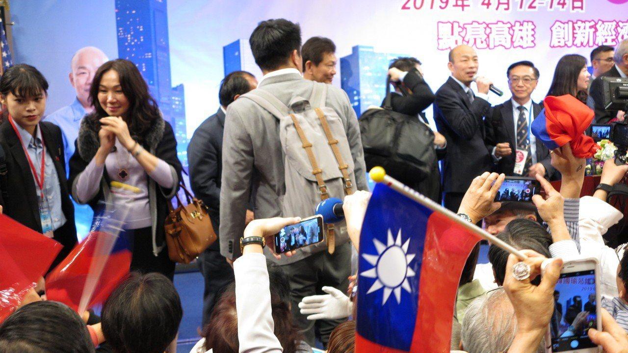 洛杉磯華僑相當熱情,讓韓國瑜直說感動。記者王慧瑛/攝影