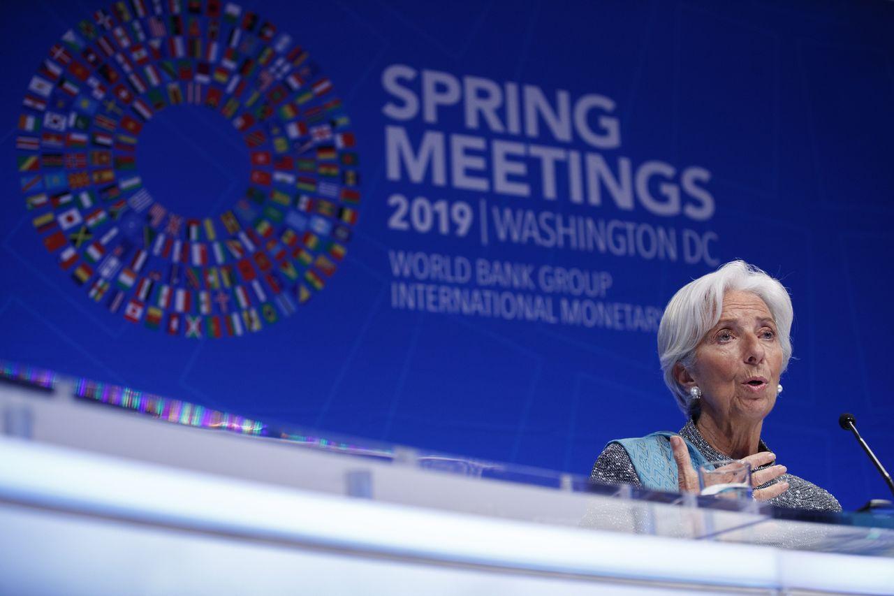 國際貨幣基金(IMF)旗下顧問委員會周六發布公報說,在世界經濟面臨貿易齟齬等下行...