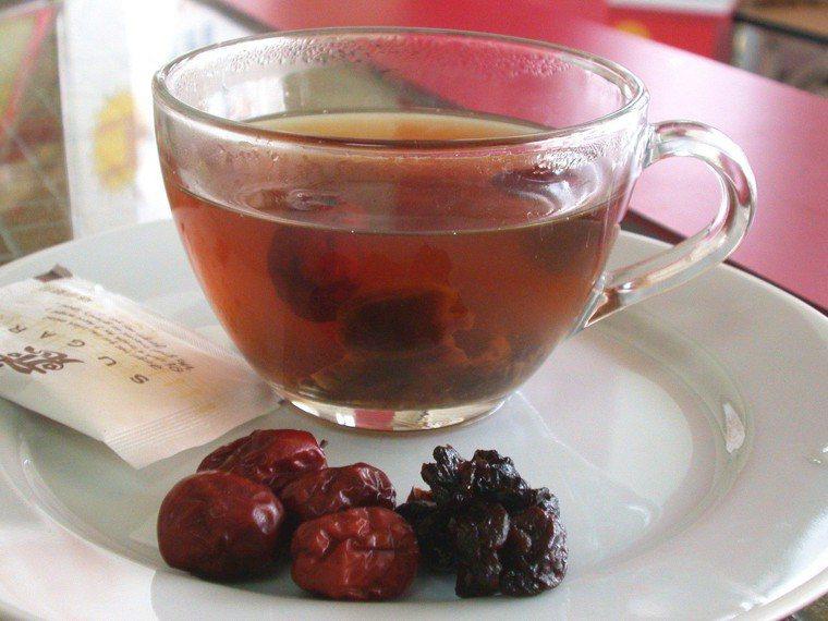 桂圓紅棗茶。本報資料照片