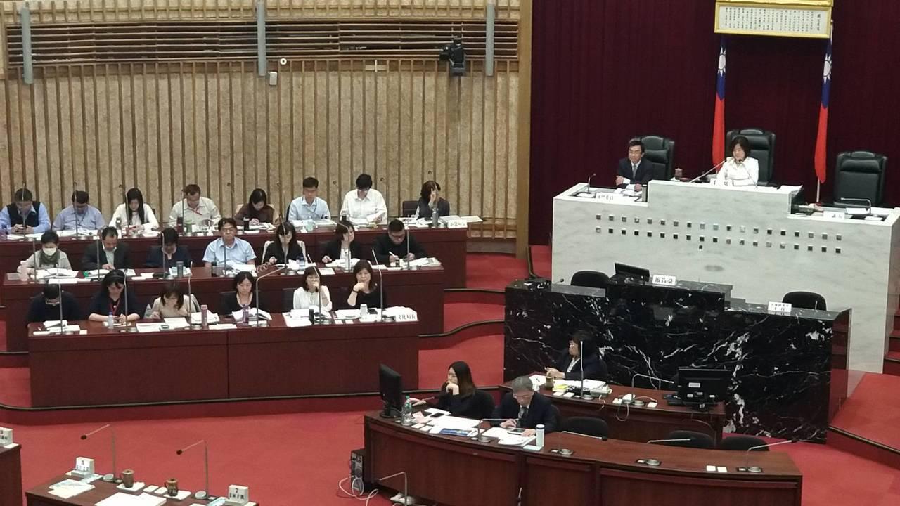高市議會今進行教育部門質詢。記者蔡孟妤/攝影