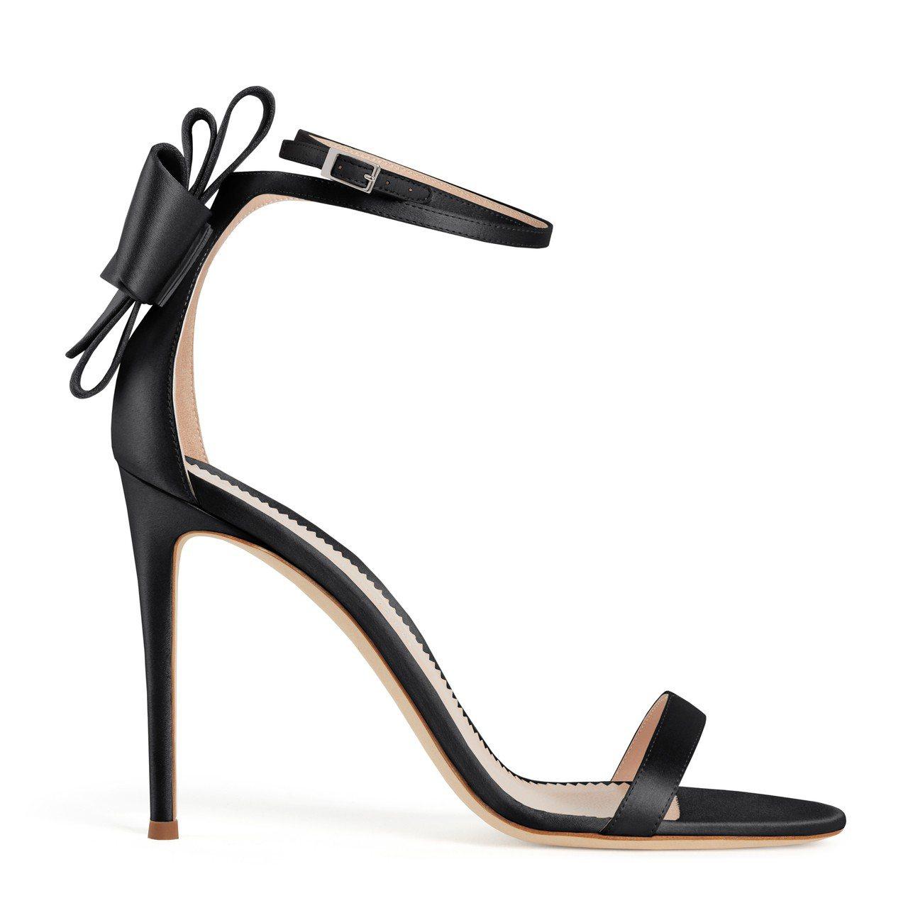 黑色ALINA BOW涼鞋。圖/Giuseppe Zanotti提供