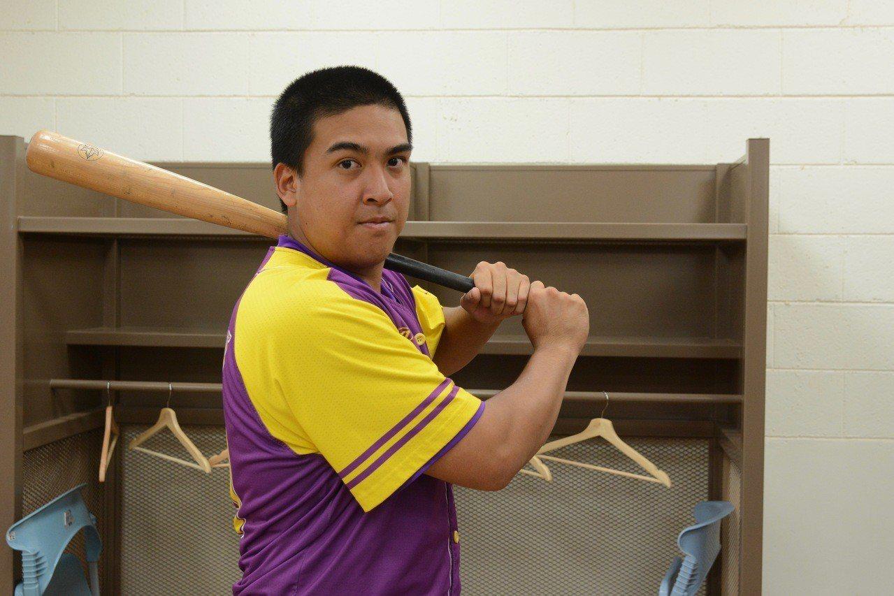 開南大學中心打者陳建川,父親為職棒球星陳連宏。記者蘇志畬/攝影
