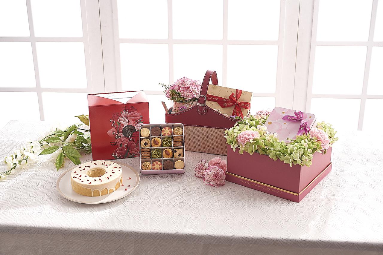 花獻美麗提籃(中)售價1,750、花甜幸福時尚禮盒(右)1,550。圖/金格食品...