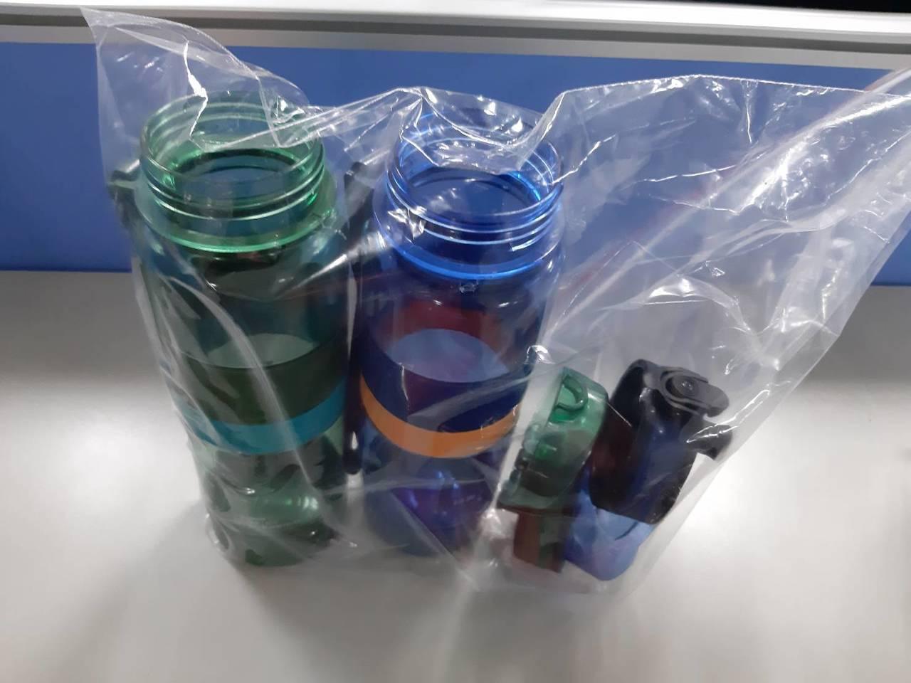 警方將洗碗精、水壺等相關證物送驗。記者林昭彰/翻攝