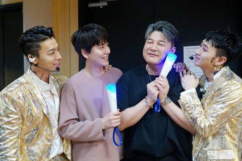 韓國天團SUPER JUNIOR的小分隊SUPER JUNIOR-D&E推出他們的第三張迷你專輯《DANGER》,4月13、14日在首爾奧林匹克公園的奧林匹克音樂廳舉辦首次的單獨演唱會「TH...