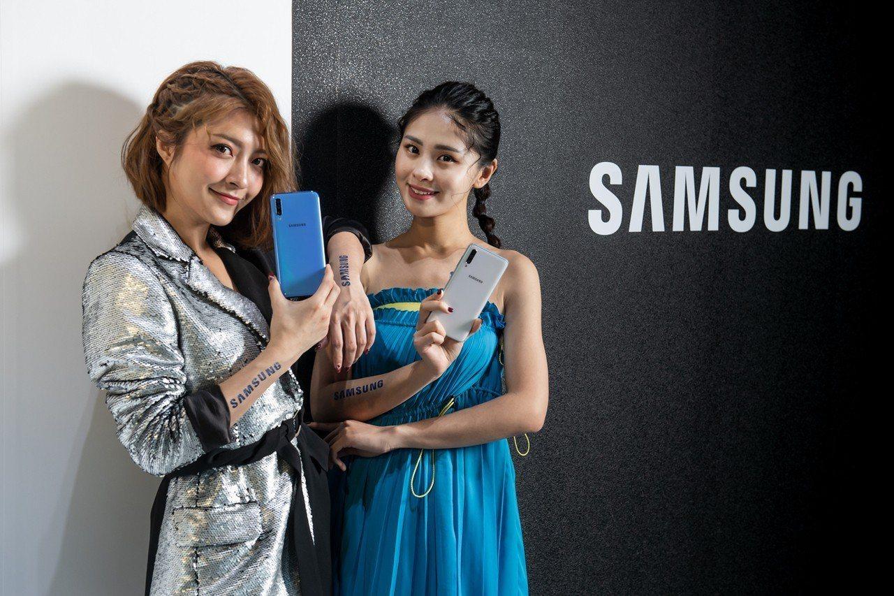 三星昨日一口氣推出十款產品,以Galaxy A80翻轉鏡頭最搶眼。三星/提供