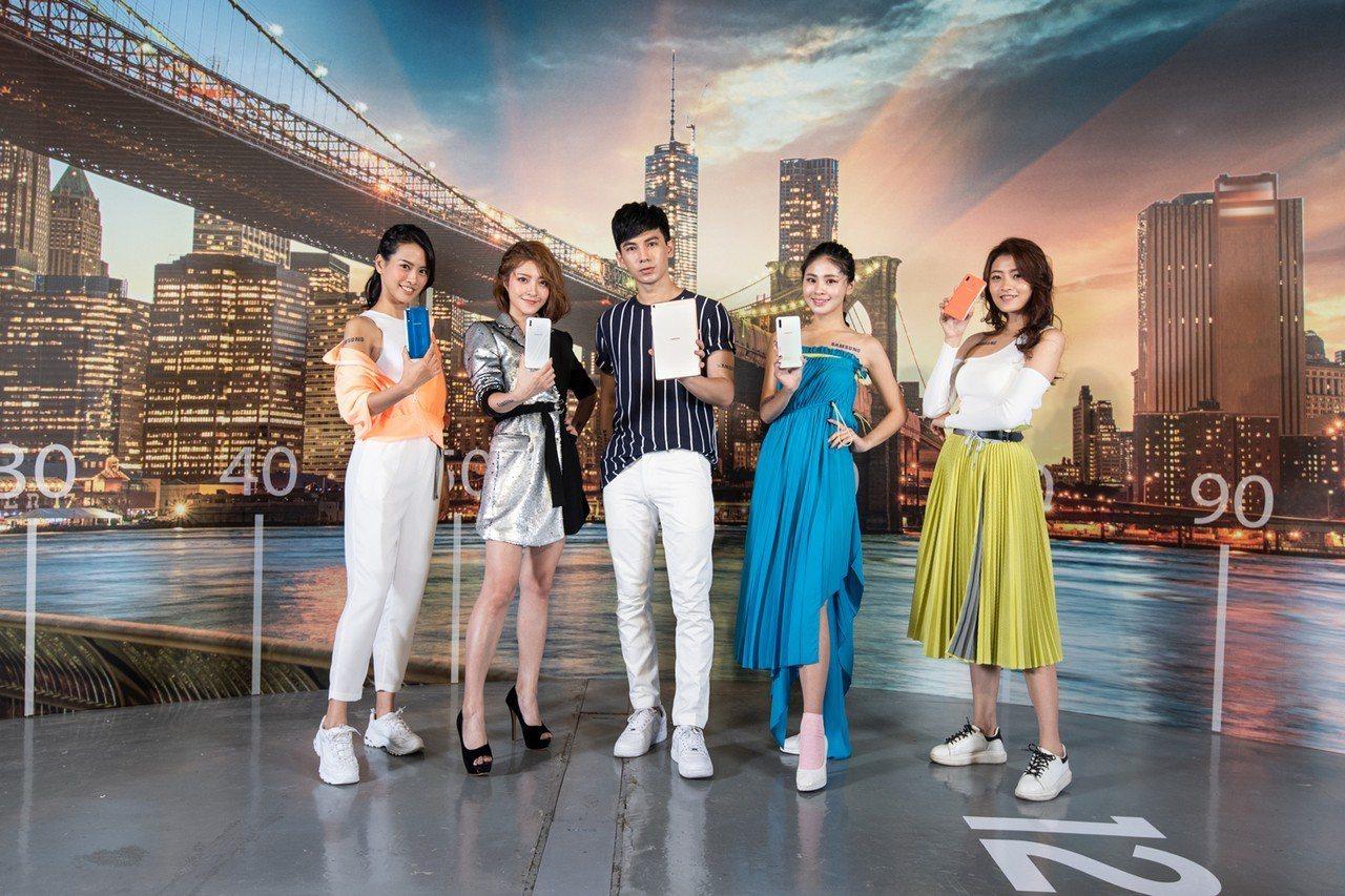 台灣三星電子推出共10款手機、平板、穿戴新品,以「影音、美拍、炫技、跑酷」4大族...