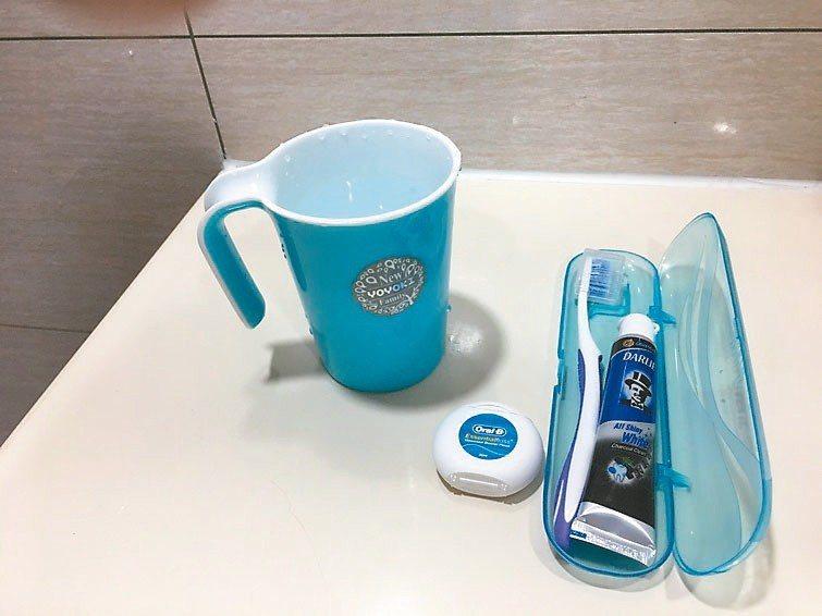 多年來遵從醫囑,除了牙刷、牙線日常清潔,還利用健保提供每半年一次洗牙服務,清除牙...