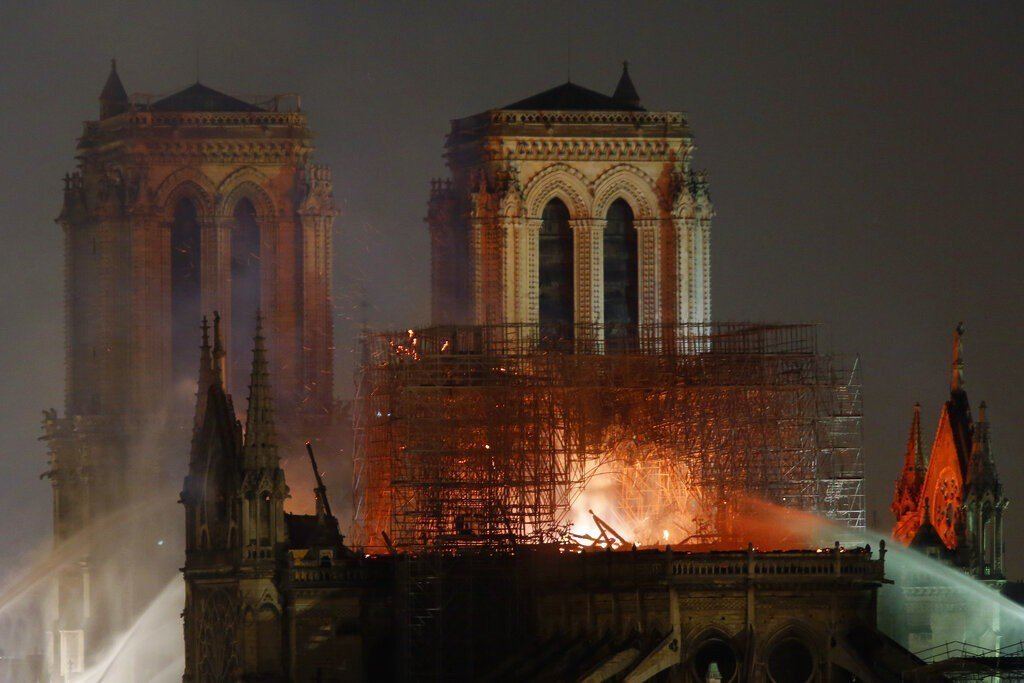 巴黎聖母院大火。圖/美聯社