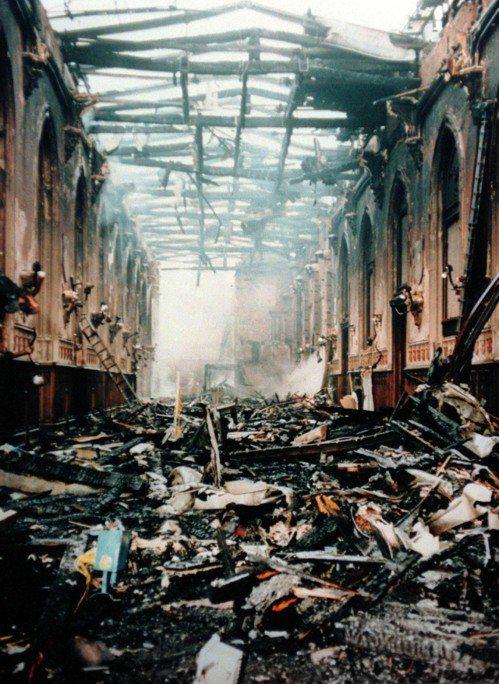 聖喬治大廳是溫莎城堡內遭燒毀9個房間其中之一。(路透)