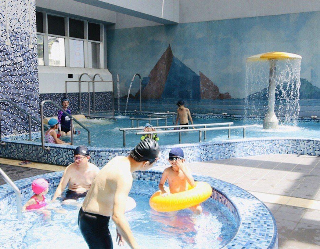 礁溪麒麟飯店戲水池,適合親子同遊。 業者/提供