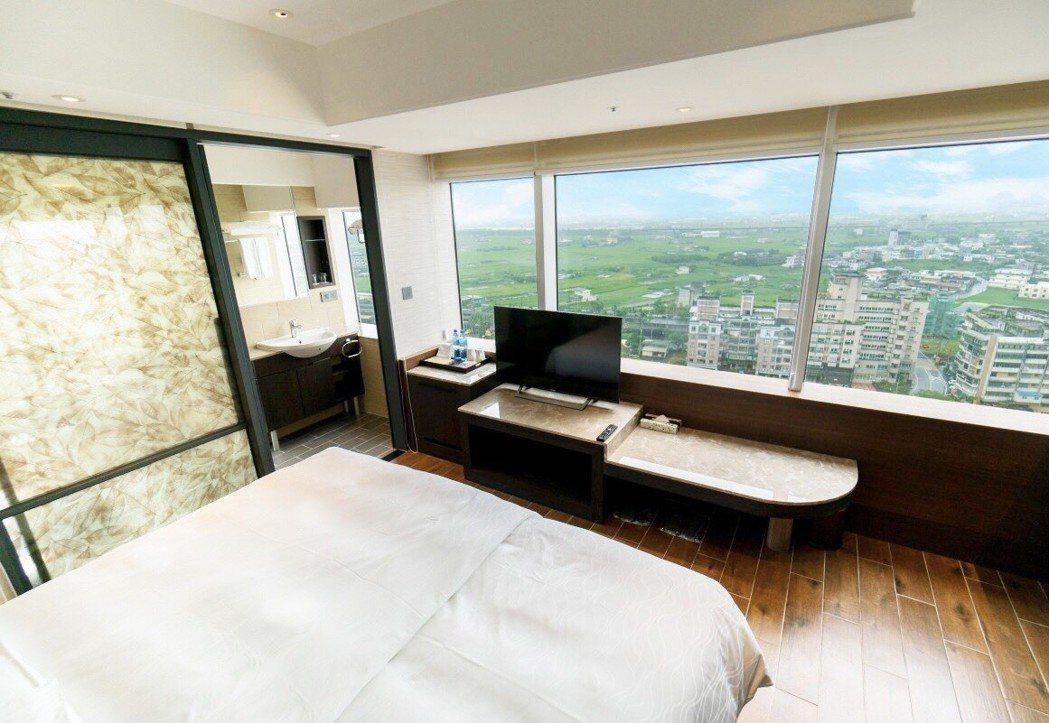 礁溪麒麟飯店房間寬敞視野好。 業者/提供