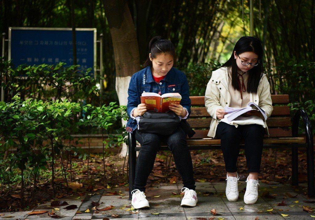 讀書之前應該先確認自己的目的,選擇不同的書,並使用不同的讀法。示意圖。 圖/新華社