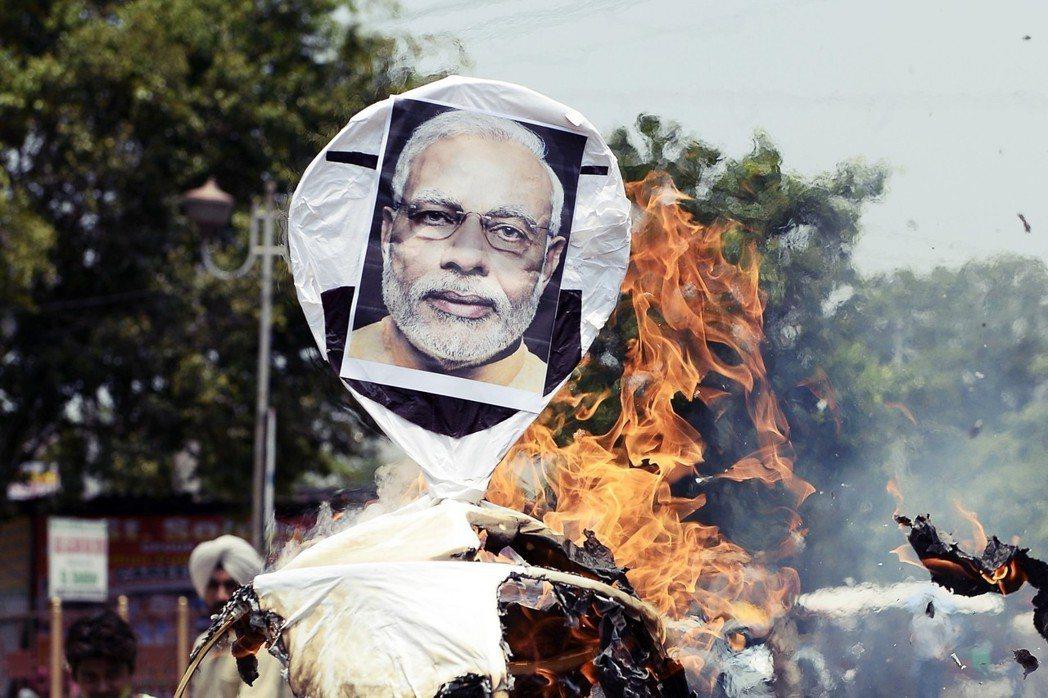 選前在關鍵的北方邦選區,BJP民調一度輸給反對陣營約20個席次。 圖/法新社
