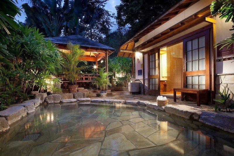 台東知本老爺酒店的「星月風呂」戶外湯池。 業者/提供