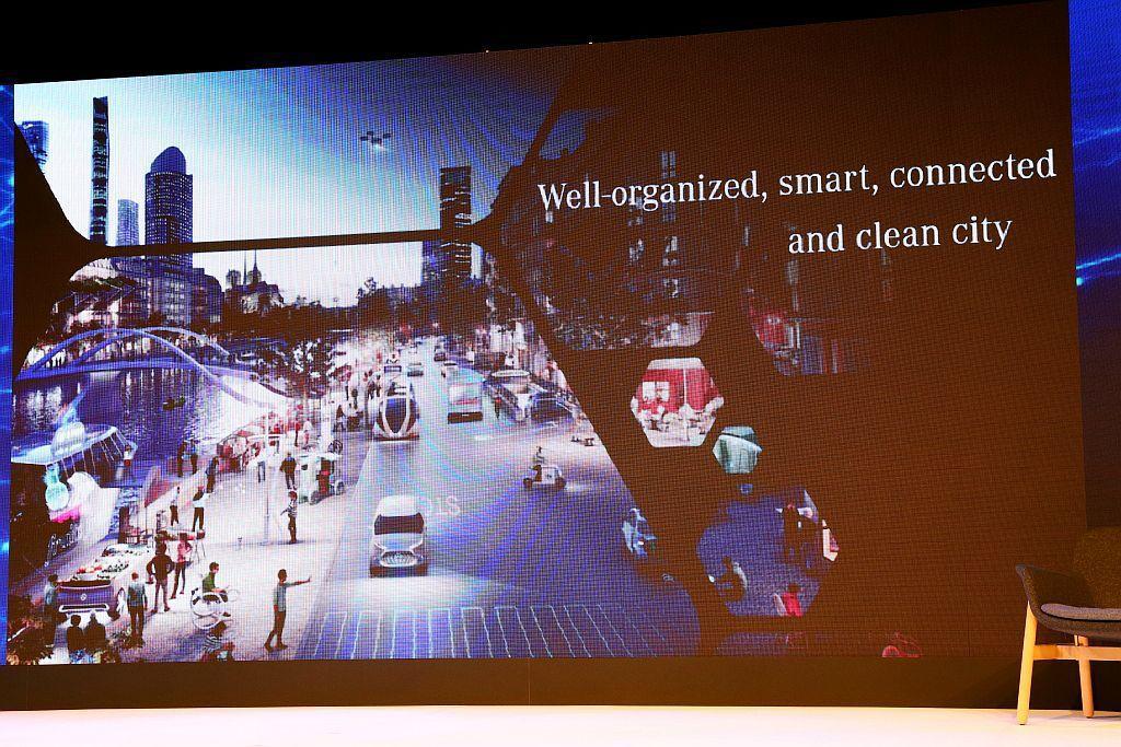 智慧城市的移動樣貌,包含共享概念,私人汽車不再是唯一的移動選擇,依據消費者不同的需求,可自由選擇駕駛個人車輛或以共享方式移動。 記者張振群/攝影