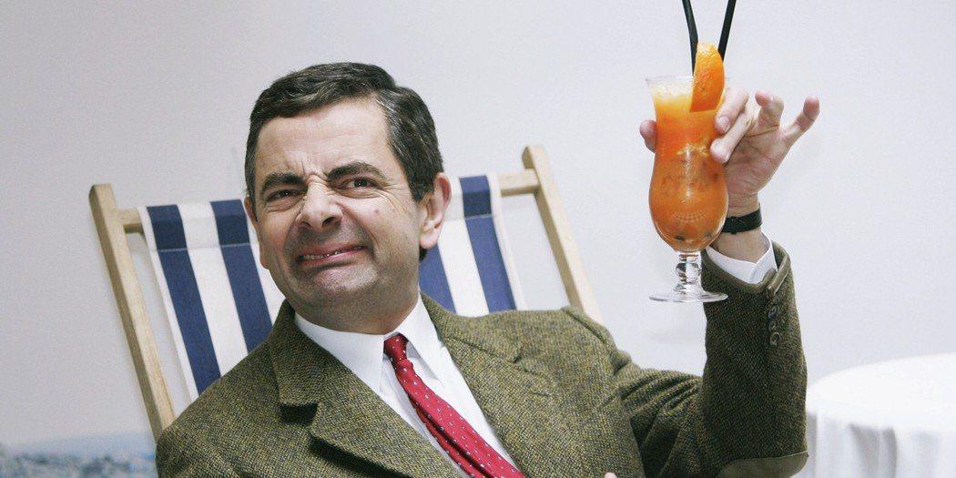 「感恩盧柏克!讚嘆盧柏克!發明銀行假的人,才應該要得諾貝爾獎!」圖為英國電影《豆...