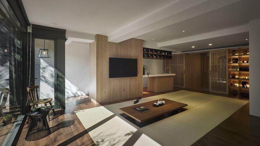 (圖)和室中央鋪設榻榻米,與四周木質地坪共塑舒適的坐臥環境。