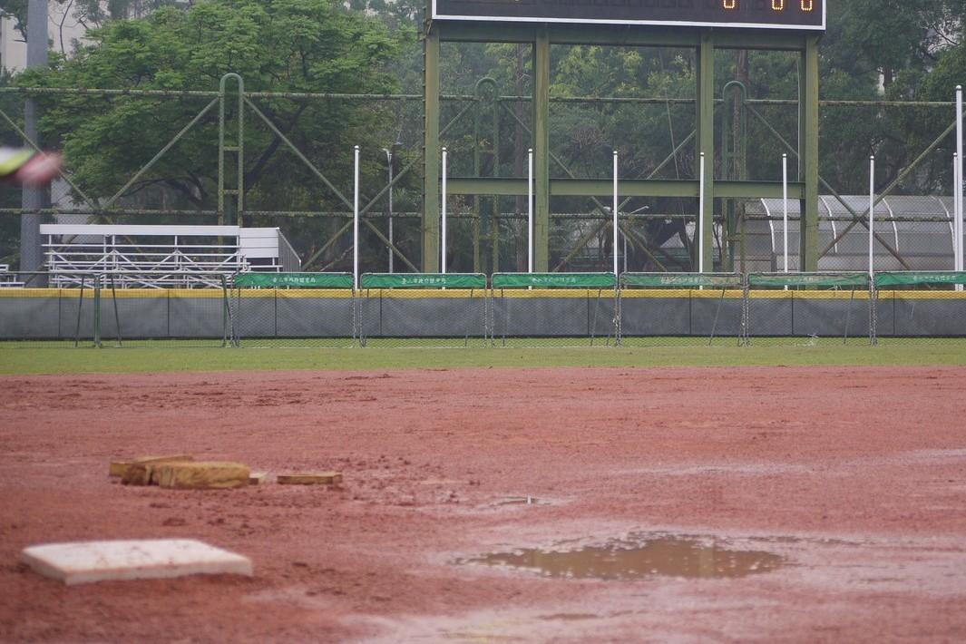 謝國城少棒賽四場比賽因雨延賽一天。記者吳敏欣/攝影