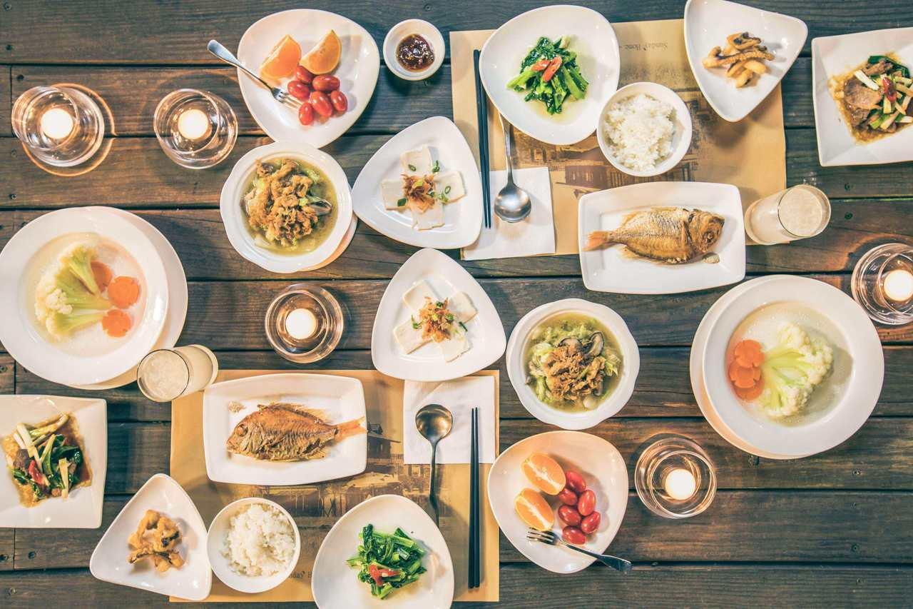 「台灣宜蘭」近年有許多熱門的無菜單料理餐廳,每日依照當天時令設計不同的創意料理,...
