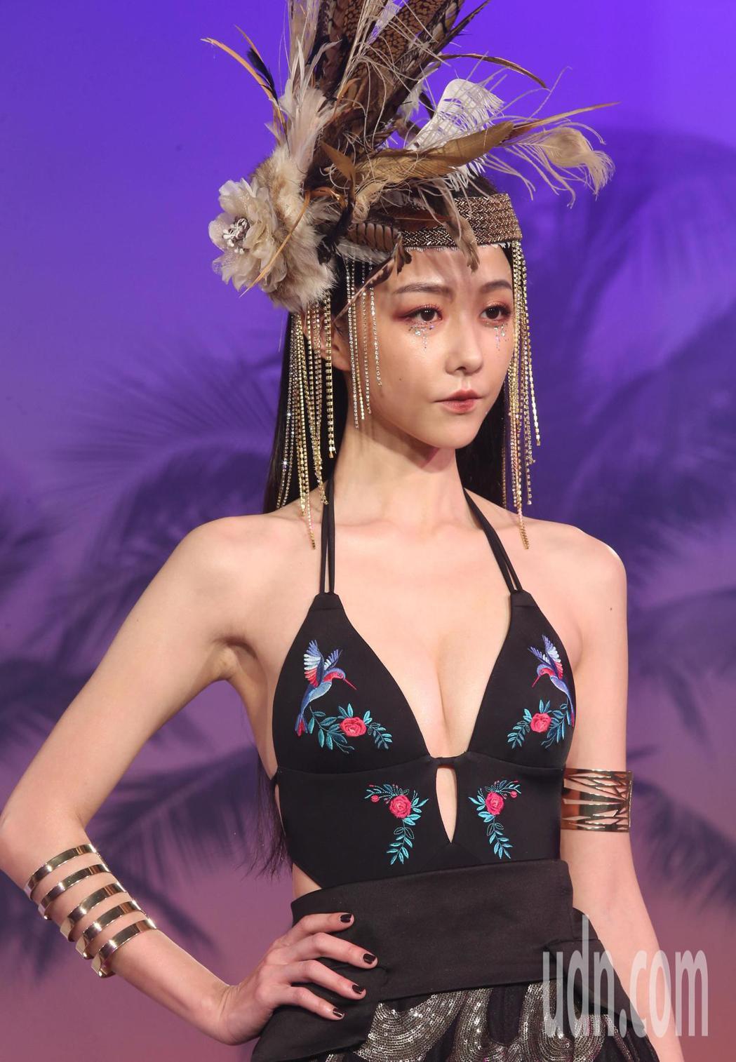 邵雨薇化身夏威夷古老部落神秘公主,壓軸出席《WAVE SHINE》2019春夏新...
