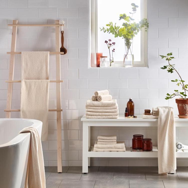LEJAREN浴巾(自然色)原價79元、IKEA百元商店逢甲店優惠價49元。圖/...