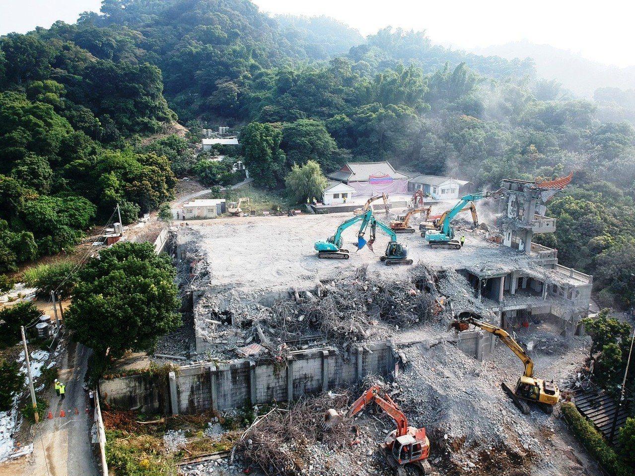 彰化二水碧雲禪寺去年被縣府認定違建拆除。報系資料照
