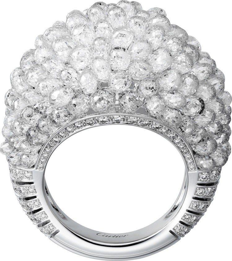 WHITE ACHILLE 鑽石戒指,鉑金鑲嵌水滴形切割鑽石與明亮式切割鑽石,8...