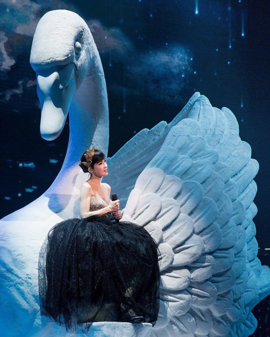 周慧敏將於8月10日攻上台北小巨蛋。圖/寬宏藝術、福茂唱片提供