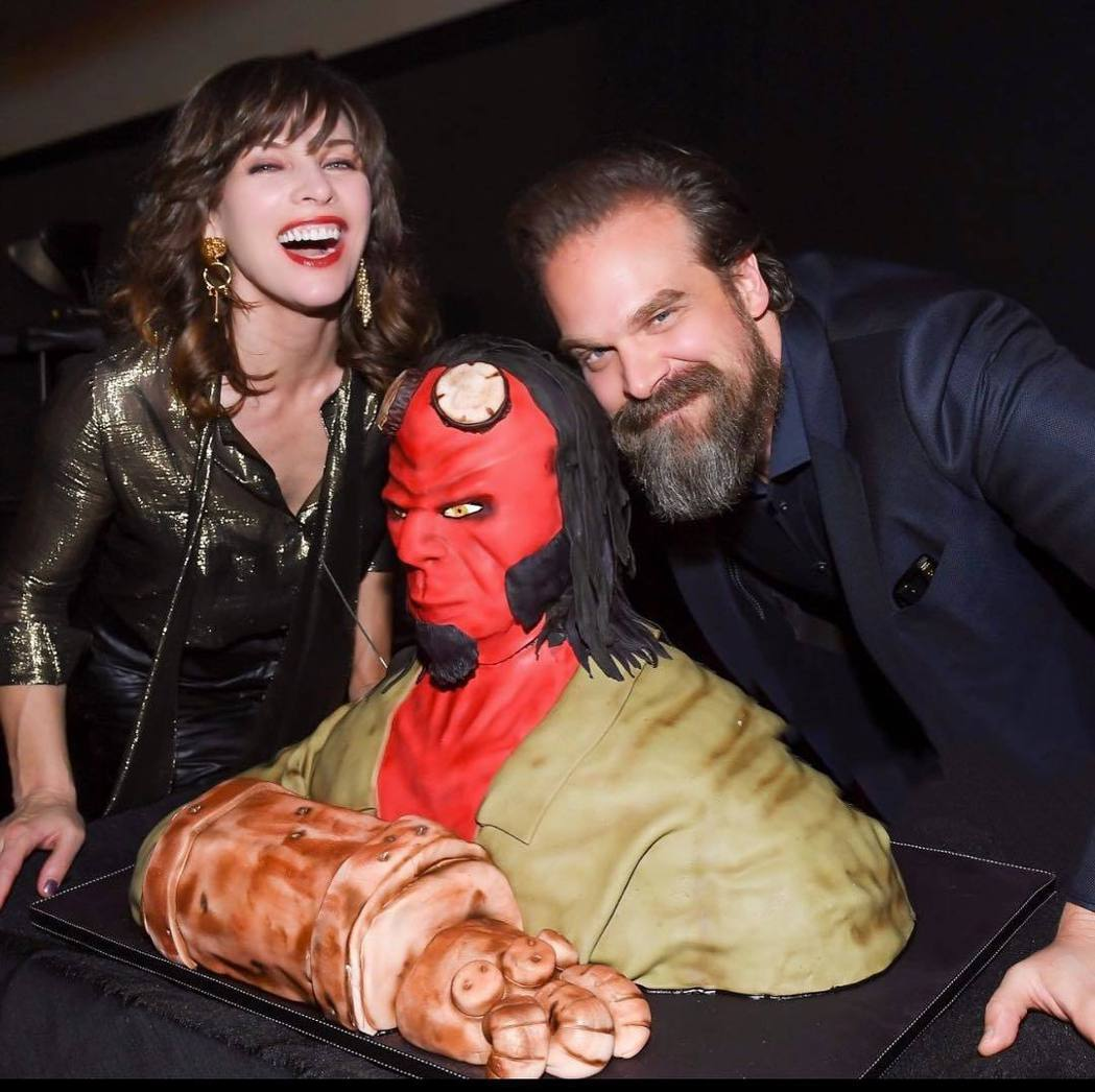 蜜拉喬娃薇琪與大衛哈柏合作「地獄怪客:血后的崛起」,建立不錯情誼。圖/摘自Ins