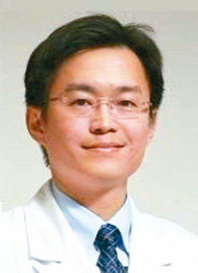 亞東醫院副院長邱冠明。 圖/亞東醫院提供