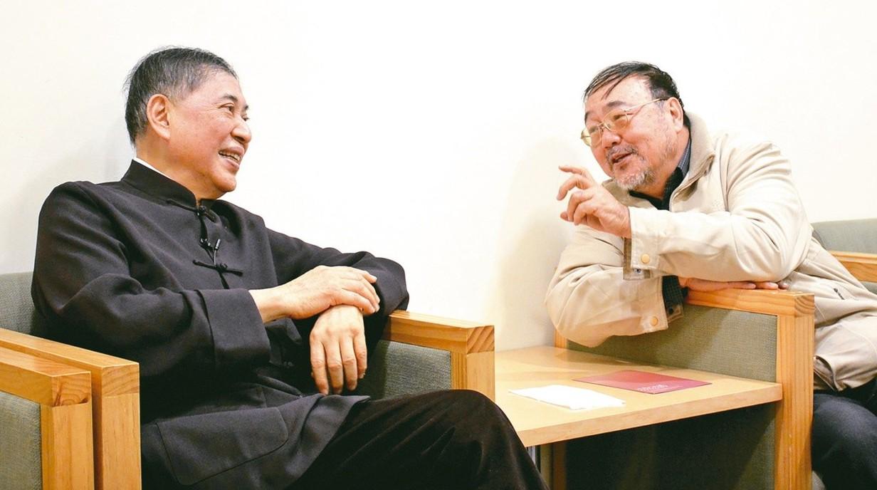 白先勇(左)與柯慶明合影。 許培鴻/攝影