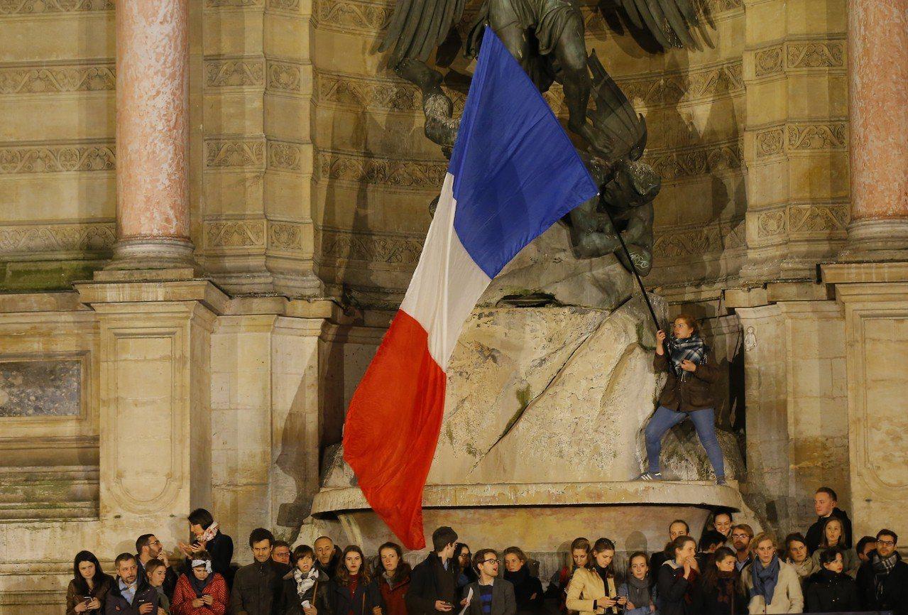 聖母院火災使分裂的法國空前團結,但恐難持久。 美聯社