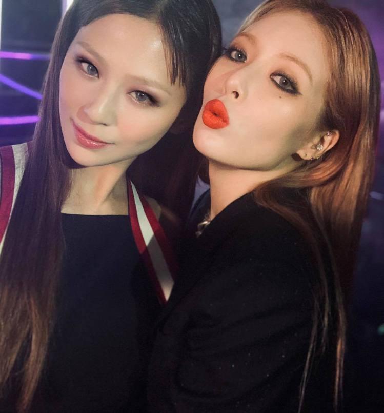 (左)西內麻里耶、泫雅。圖/擷自instagram