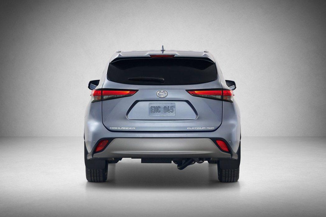 新世代Toyota Highlander車尾有點些許Lexus NX的韻味。 摘...
