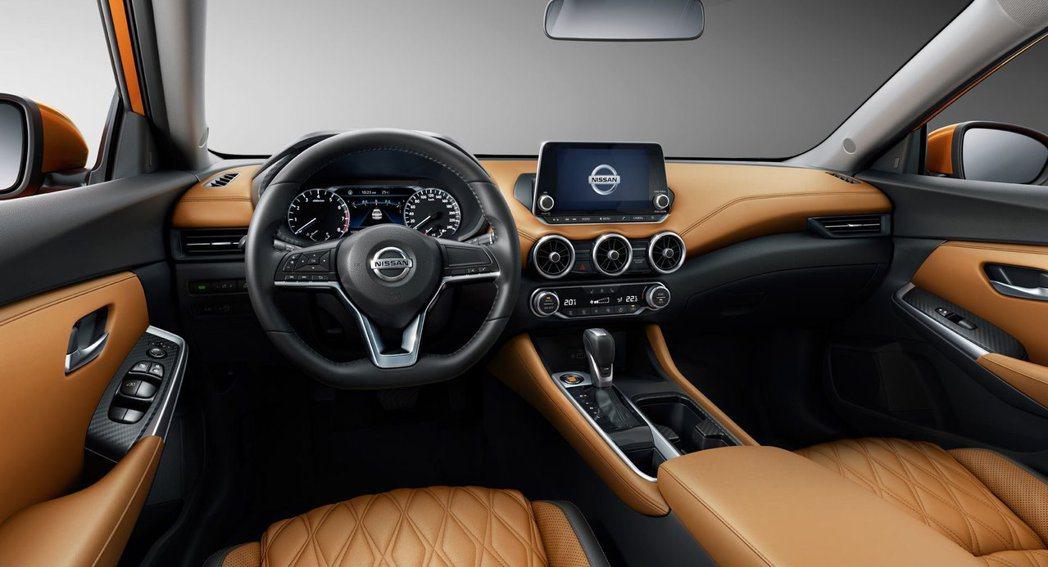 新一代Sylphy内裝與中控介面陳設較以往更具時尚年輕氣息。 摘自Nissan