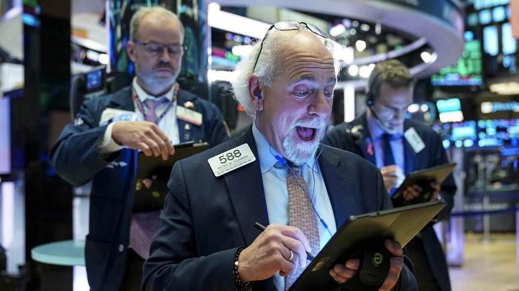 美股周二小幅上揚,企業財報普遍優於預期。  (路透)
