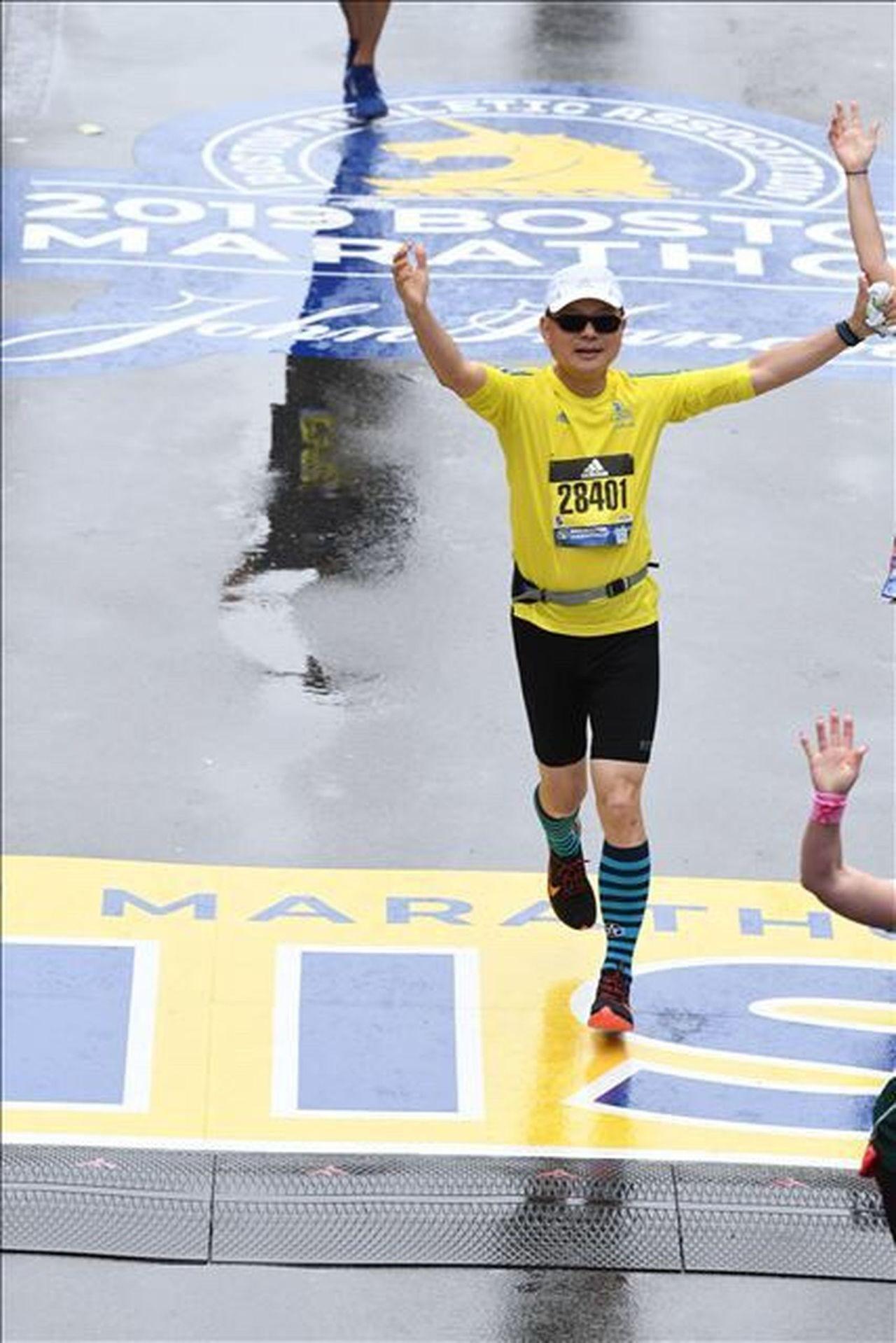 第123屆波士頓馬拉松賽,由桃園市體育會馬拉松委員會主委張紅淇,率領的台灣團隊,...