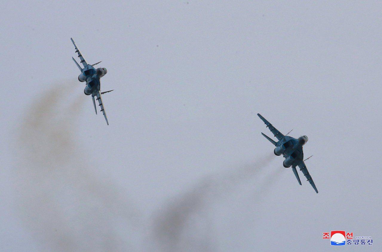 朝鮮中央通訊社於2019年4月17日發布朝鮮人民軍空軍的米格-29戰鬥機在4月1...