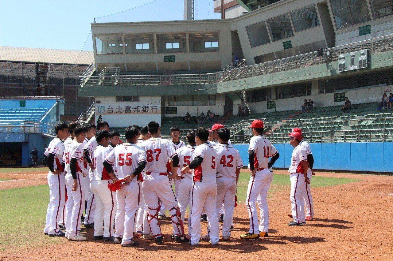 南華大學拿到預賽第2勝。實習記者盧瀅萱/攝影