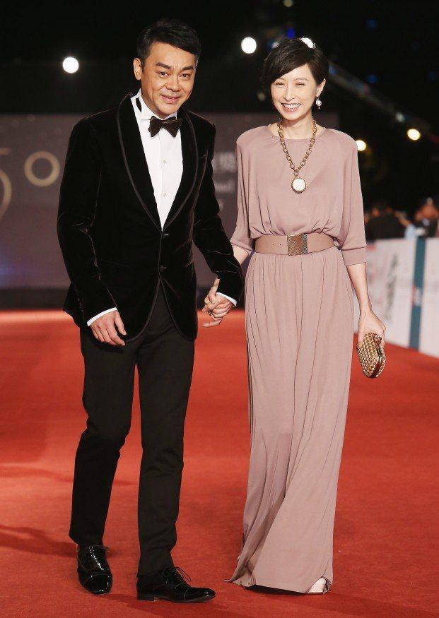 劉青雲深愛妻子郭藹明,圖為兩人來台參加金馬獎。圖/聯合報系資料照