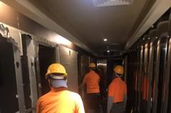 「毒」旅館被斷水電竟偷接電復業 今天被柯P拆光