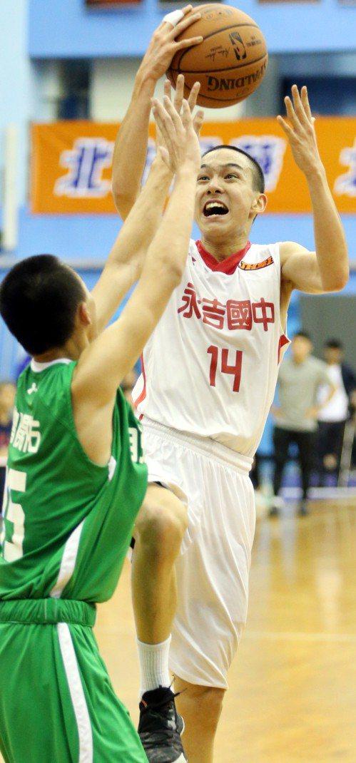 陳柏廷攻下全隊最佳23分、5籃板。記者侯永全/攝影